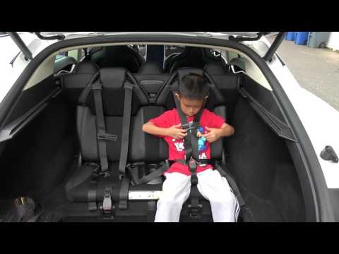 Tesla Model S Trunk – Rear Facing Jump Seats – Third Row