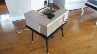 Voice Of Music Consolette Record Player, Playing An IPod With Adapter