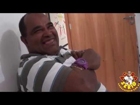 Repórter Favela Trava Língua com as Enfermeiras