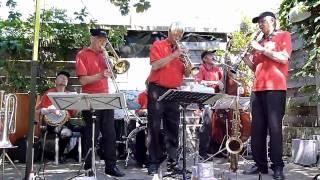 Charivari Jazzband plays 'Avalon'