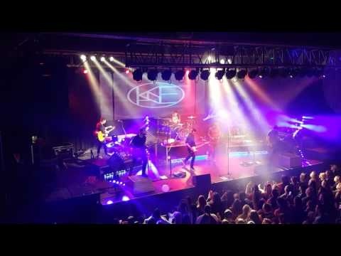 Kane Brown - Used To Love You Sober  (LIVE NEWYEARS 2017)