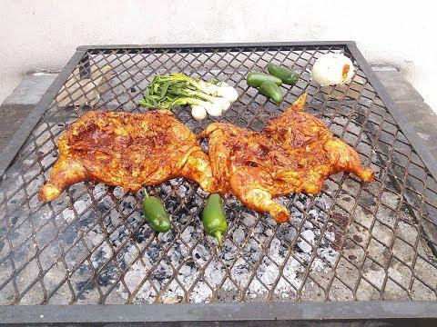 Pollo asado marinado con jugo de piña y tres diferentes chiles