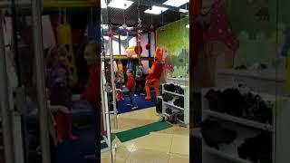Танец Карамельки) Три кота в танце! Смешное видео! Весёлый аниматор) зажигательные танцы)))