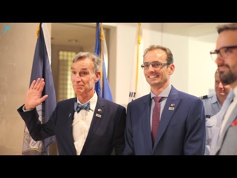 Bill Nye at the Australian Embassy - The Space Advocate