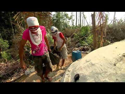 No terceiro episódio da websérie, crianças carvoeiras deixam de ir à escola para trabalhar