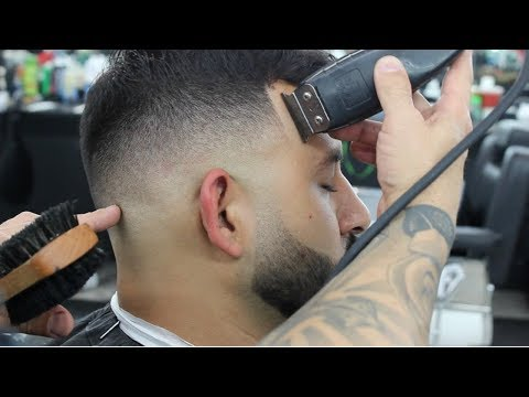 SIMPLE HAIRCUT TUTORIAL | HOW TO DO A MID SKIN FADE
