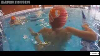 Vacances en vidéo de l'option natation
