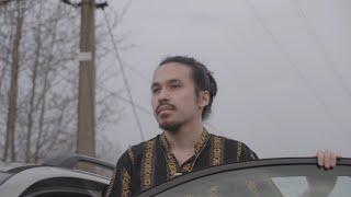Kadr z teledysku Borders tekst piosenki Francis Tuan