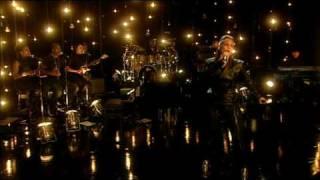 Alicia Keys -  Try Sleeping with a Broken Heart - 4Music