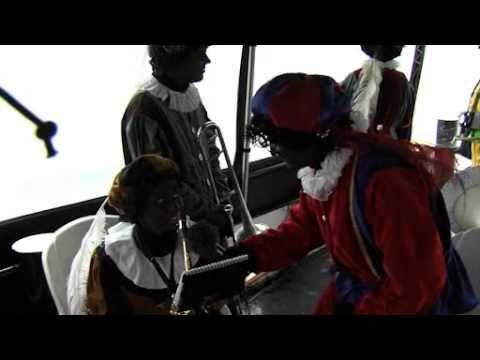 Interviews met pieten op de boot richting Cuijk