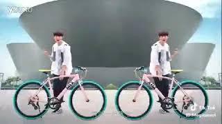 Gambar cover Tiktok  EXO