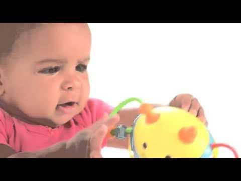 Juguetes de bebé para agarrar de Skip Hop en Eurekakids