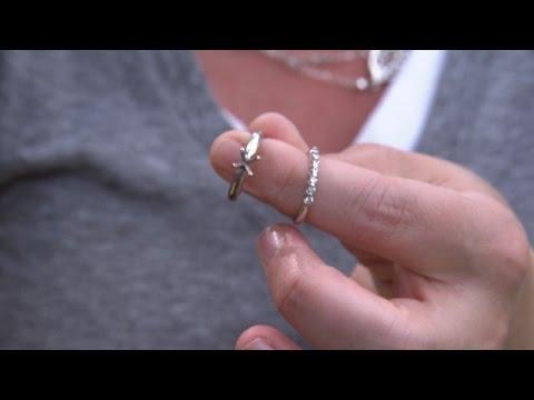 Sergio Garcia knocks diamond out of a fan's ring at Bridgestone