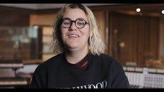 TELUS | Safia Nolin s'élève contre la cyberintimidation
