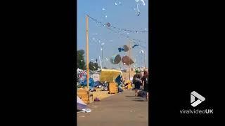 faze tari mini tornada la un festival