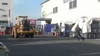 トンネル工事車両、緊急自動停止 カナモトがシステム開発(動画あり)