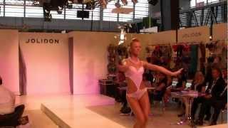preview picture of video 'Mode City Paris 2012: swimwear & lingerie catwalk show 17'
