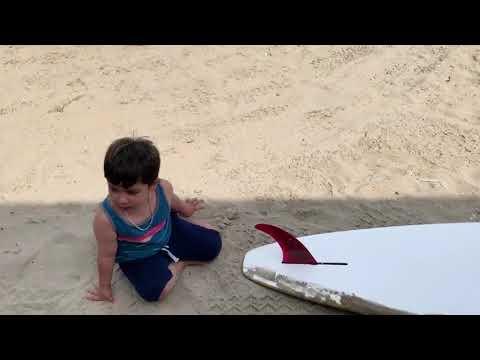 SURFBOARD AT THE BEACH | KAREEM & MOMO