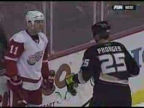 Chris Pronger vs. Danny Cleary