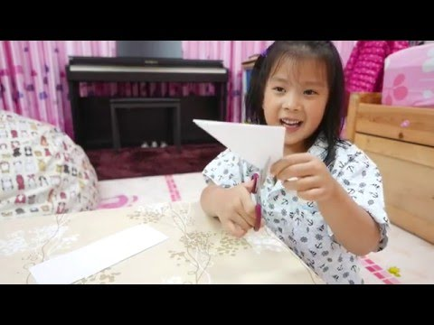 How To Make Easy Paper Snowflakes For Kids by Big Kid, Affy. It's COOL!!! (видео)