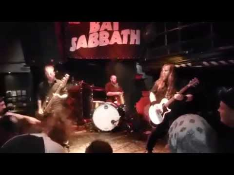 Bat Sabbath - Into The Void/Paranoid/Children of the Grave/Fairies Wear Boots (Live in Montreal) online metal music video by CANCER BATS