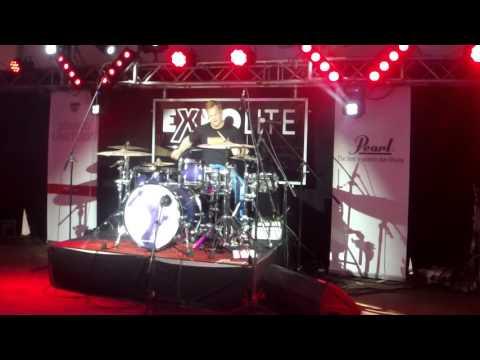 Pearl: Martin Klee (Drums)