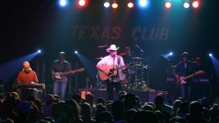 Tracy Byrd - Mama Tried (Merle Haggard Cover) (Live at The Texas Club)