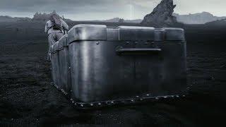 可怕的金属虫群席卷全球,人类只有随身拖着大铁箱,才能幸存下来
