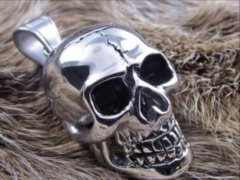 Skull -Totenkopf Ring & Eisernes Kreuz Ringe aus Edelstahl von surf-affe.de