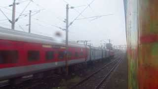 preview picture of video '12262 Howrah CSTM Duranto cross 22824 New Delhi Bhubaneswar Rajdhani'