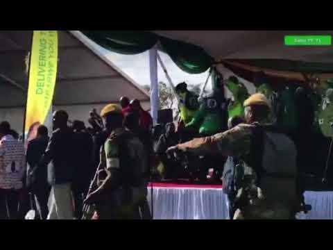 На митинге в Эфиопии в премьера бросили гранату, пострадали сотни человек