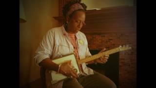 """Resa Gibbs sings """" Grinnin' In Your Face"""" by Son House"""