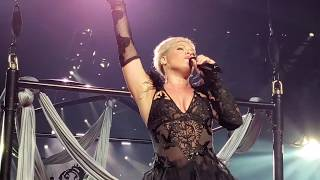 P!nk   Walk Me Home (Beautiful Trauma World Tour, Vancouver)