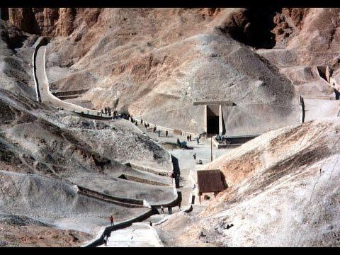 Уникальные артефакты в гробнице Тутанхам