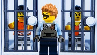 LEGO City Prison Break STOP MOTION Store Robbery Part 2 | LEGO City Catch The Crooks | LEGO Worlds
