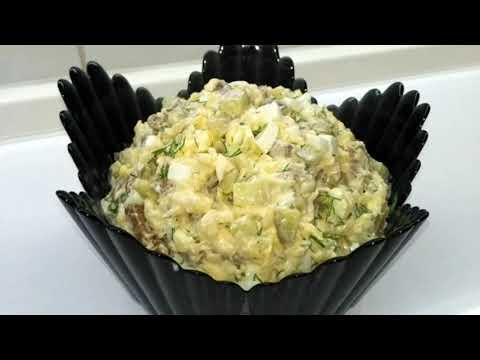 Быстрый салат с сухариками и сыром