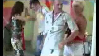 Танец пьяного мужика на свадьбе