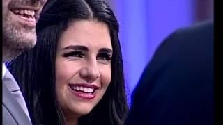 طلب يدها مباشرة امام الرئيس سعد الحريري.. شاهدوا ردّ فعلها!