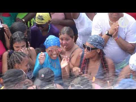 Panameños y extranjeros gozan último culeco en la Cinta Costera