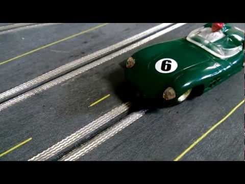 1/32 Wooden Routed Slot Car Track – 1960's theme – Scalextric Aston Martin C57 E3 Test Drive