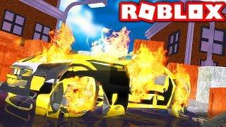 CRASHING MY $10,000,000 LAMBORGHINI IN ROBLOX! (Roblox