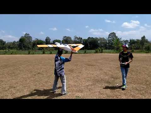maiden-flight-xuav-cloud-clone-200-cm