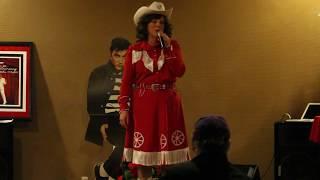Patsy Cline tribute artist sings 'I Fall To Pieces' Nov 2015