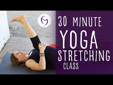 20 Minute Scary Yoga Flow Vinyasa for Halloween
