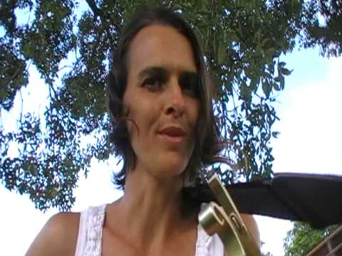 Terri Nicholson - Tree Song live - Australian Acoustic Folk Singer/Songwriter Music