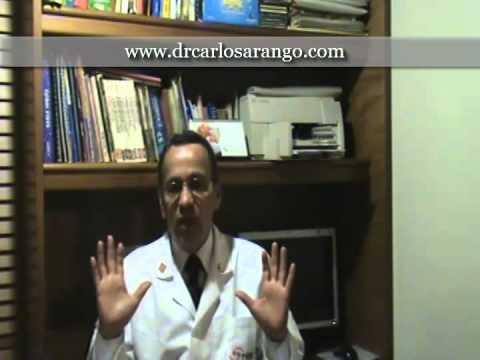La operación del aumento del pecho cuanto llevar la ropa blanca compresiva