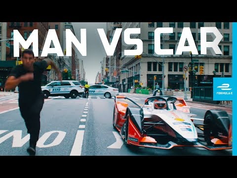 Mahindra Formula E Car vs Freerunner on New York Streets | New York City E-Prix