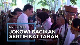 Kunjungi Manggarai Barat, Presiden Jokowi Bagikan Sertifikat Tanah 2.500 Lembar ke Warga