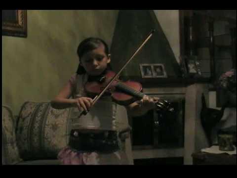 Camila, 8 años.