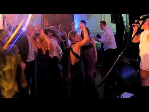 The Moogs Wedding band perform 7 Nation Army